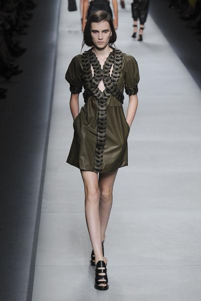 50 лучших платьев Недели моды в Милане | галерея [1] фото [16]