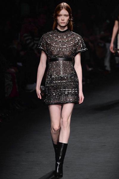 Неделя моды в Париже: показ Valentino ready-to-wear осень — зима 2015-2016 | галерея [1] фото [16]