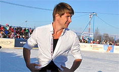 Алексей Ягудин разделся на морозе