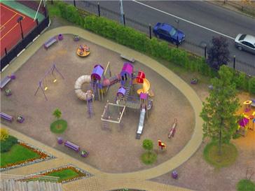 Детская площадка под обстрелом