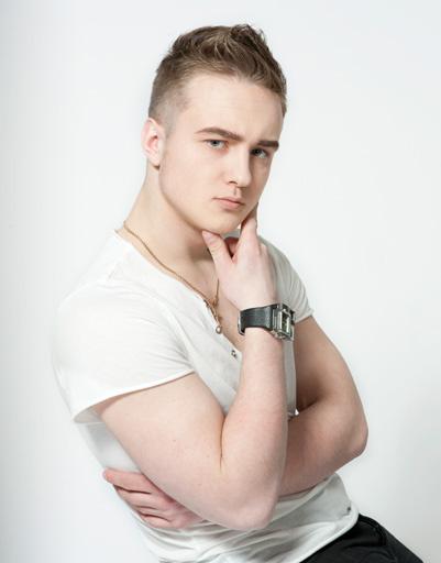 Денис Тусов