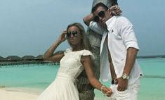 Бузова с мужем снова нарядились в жениха и невесту