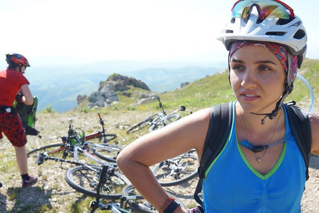 Красивые девушки Ростова на велосипедах: фото