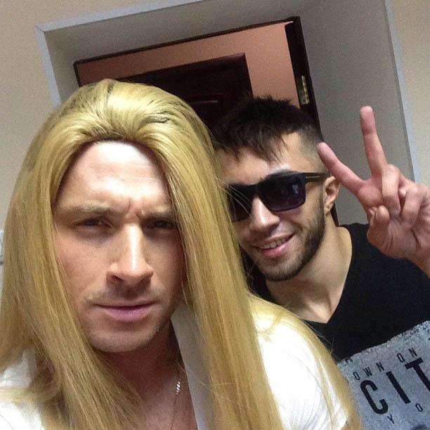 Сергей Лазарев в парике