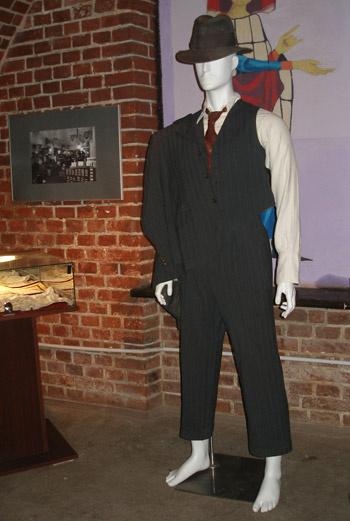 Мужской костюм 30-х годов.