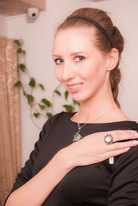Рязанские красавицы примерили бриллианты