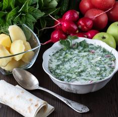 Время окрошки: оригинальные рецепты летнего блюда