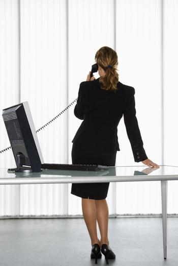 Ученые выяснили, что если разговаривать стоя, голос будет звучать более убедительно.