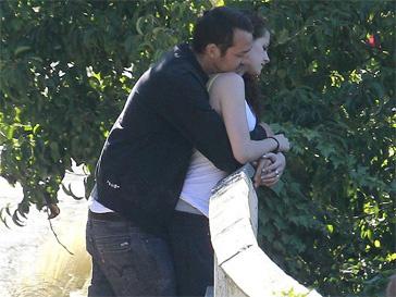 Кристен Стюарт (Kristen Stewart) и Руперт Сандерс обозревают живописные пейзажи Лос-Анджелеса