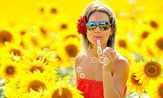 Как проводят лето красивые девушки?