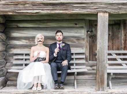 Надо ли менять фамилию, выходя замуж?