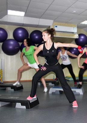 Эффективные упражнения по фитнесу, клуб Platinum
