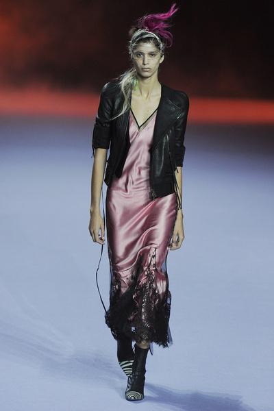 Неделя моды в Париже: день пятый   галерея [1] фото [3]
