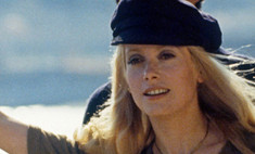 8 женщин: самые стильные героини Катрин Денев