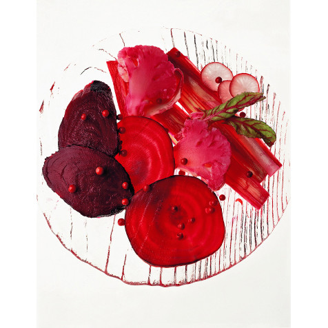 Антоцианы, придающие корнеплодам фиолетово-красный цвет, способствуют усвоению витамина С, регулируют содержание в крови холестерина и улучшают обмен веществ.