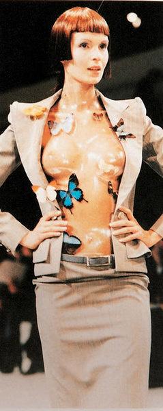 Костюм Александра Маккуина для коллекции Givenchy haute couture весна — лето 1998