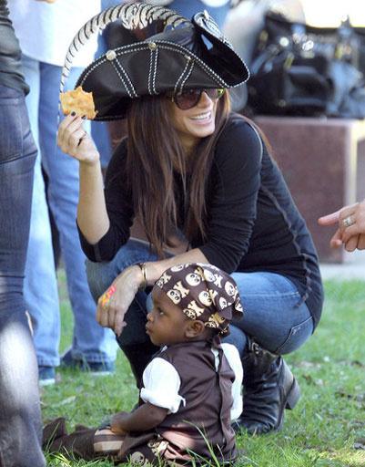 Сандра Баллок с сыном