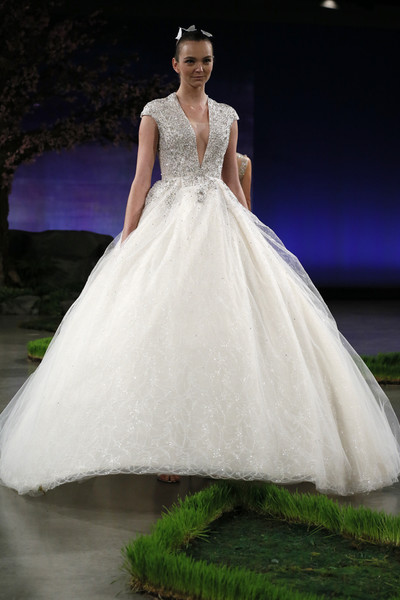 60 пышных свадебных платьев 2015 | галерея [1] фото [39]