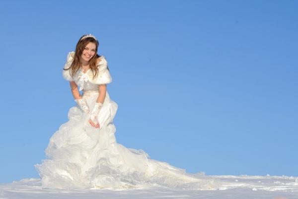 Свадебное платье зимой