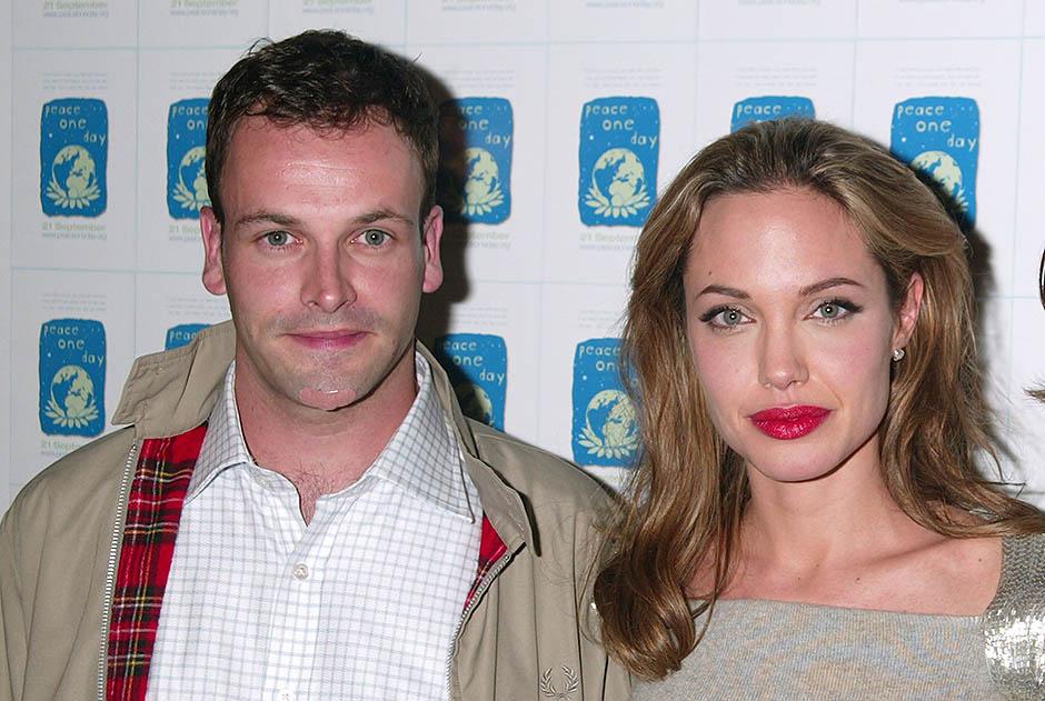 Анджелина с первым мужем Джонни Ли Миллером