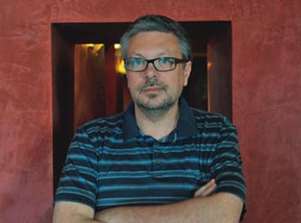 Михаил Шишкин, прозаик, получивший все самые крупные национальные литературные премии – «Русский Букер» (2000), «Национальный бестселлер» (2005), «Большая книга» (2011), а также несколько международных наград. Последний роман