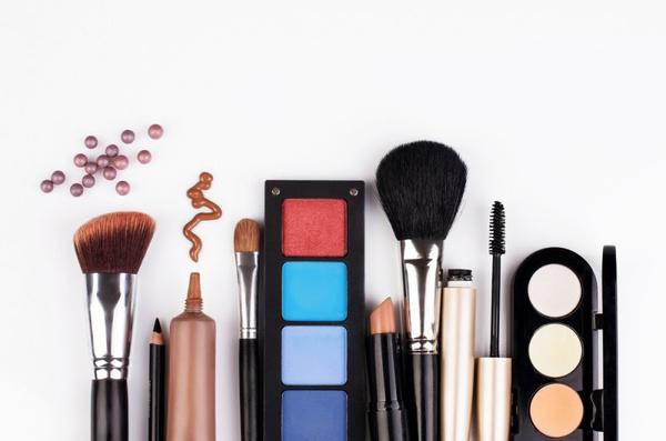 Как правильно пользоваться косметикой? Видео