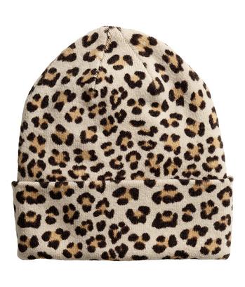 шапка тонкой вязки