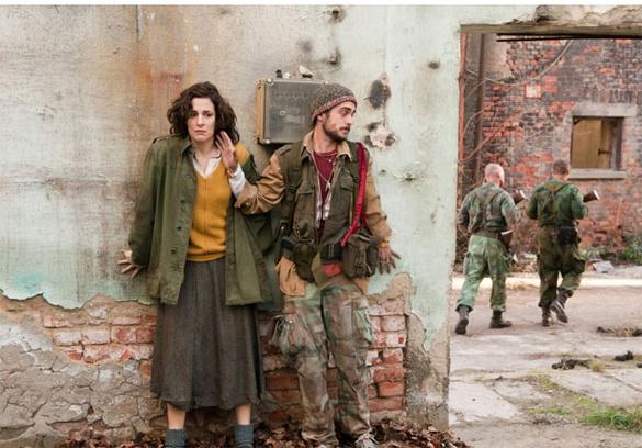 «В краю крови и меда» - дебютная картина Джоли