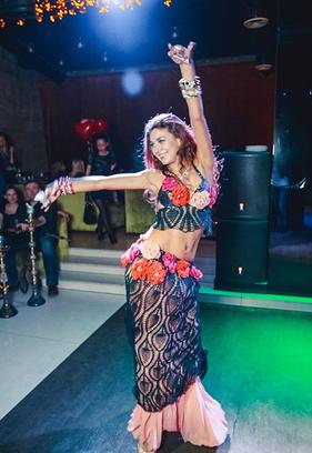 Алина Бичан самая обворожительная восточная танцовщица Самары