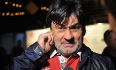 Внебрачная дочь Серова требует от отца 100 миллионов рублей