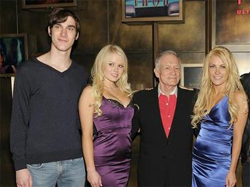 Сын Хью Хефнера Мартсон, Хью Хефнер и модели Playboy.
