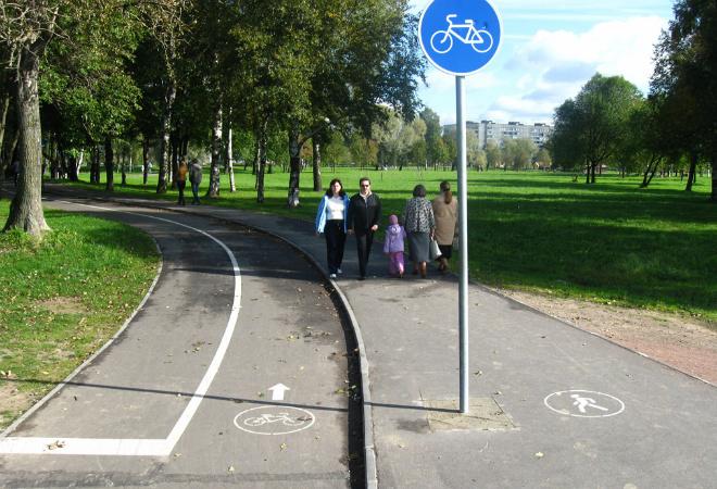 Велодорожка в Муринском парке