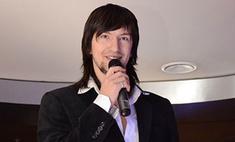 Сергей Онищенко раньше пел только в классических костюмах