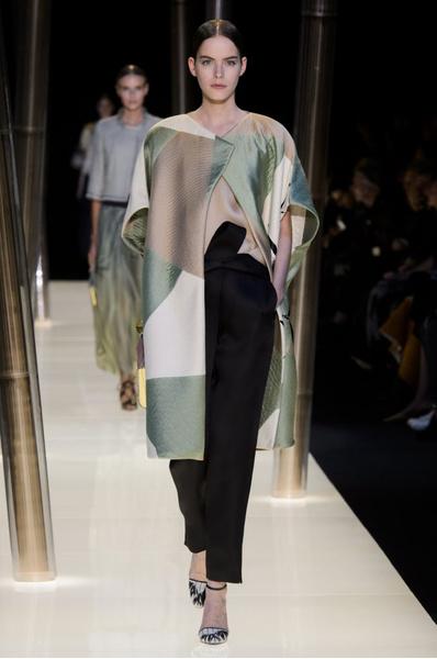 На Неделе высокой моды в Париже прошел юбилейный показ Giorgio Armani Prive | галерея [1] фото [26]