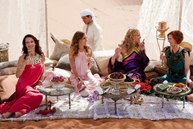 В продолжении фильма подружки оставят своих мужчин ради незабываемых каникул в пустыне.