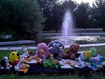 Фотографии любимых игрушек на фоне Праги может получить любой желающий.