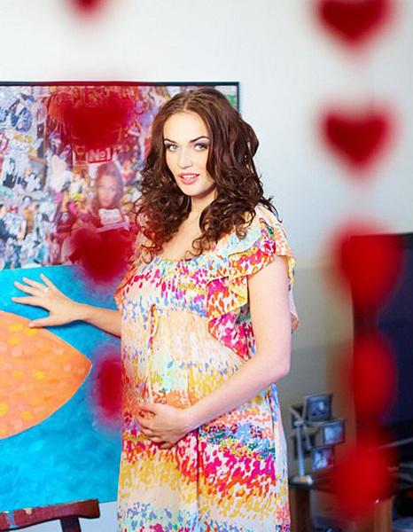 Алена Водонаева в платье с принтом