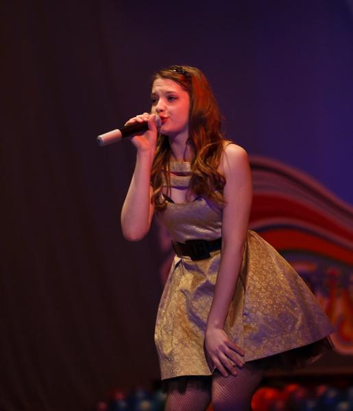 Участница шоу «Голос-5» Дарья Антонюк в детстве