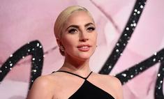 Леди Гага показала толстые бедра в синяках