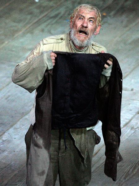 """Йен Маккелен в спектакле """"Король Лир"""" Королевского Шекспировского театра, фото"""