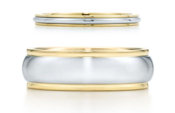 Узкое обручальное кольцо, золото и платина, $925; широкое обручальное кольцо, золото и платина, $2050