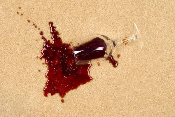 Удаление пятен от вина