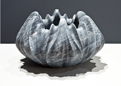 Мраморные вазы и столы от Захи Хадид   галерея [1] фото [3]