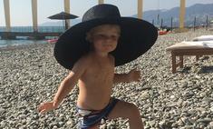 Сын Рудковской танцует в шляпе от Dior