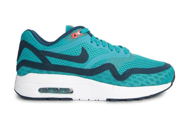 Кроссовки Nike Air Max, 6870 р.