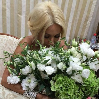 Лера Кудрявцева подарок
