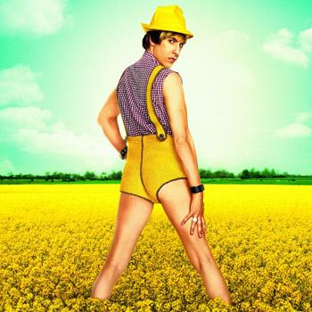 После успеха фильма «Борат» Саша Бэрон Коэн пошел на очередную авантюру и сыграл модника-гея.