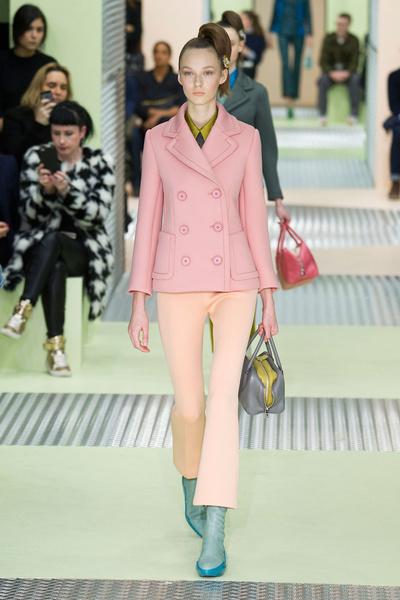Показ Prada на Неделе моды в Милане | галерея [1] фото [37]