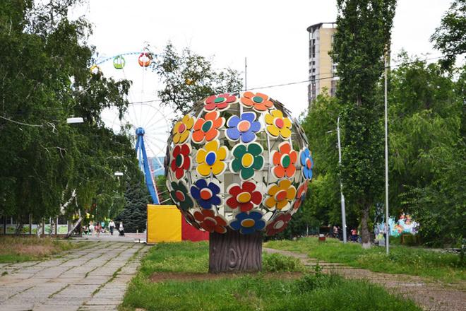 Волгоград, дерево Мира, цветочное дерево, Аллея Героев, что посмотреть в Волгограде, интересные места в городе