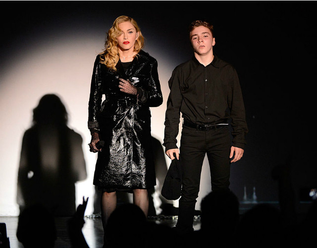 Сын Мадонны побывал под арестом за наркотики